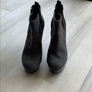 Vince Camuto wool platform gray boots with heels